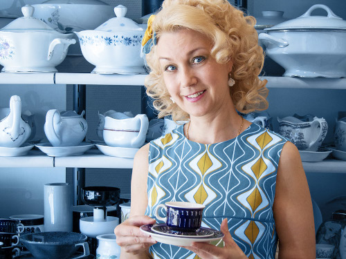 Astialiisa's shopkeeper Tiina with Valencia coffee set at the Helsinki shop